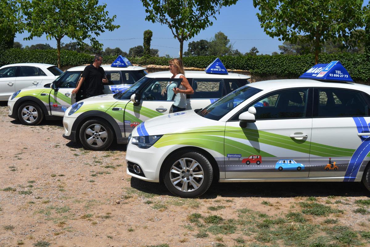 disseny retolacio cotxes autoescola, vilafranca, penedes, branding
