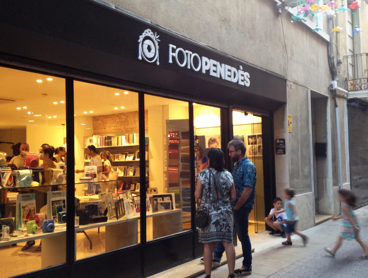imatge corporativa, botiga, exterior, rètol, disseny gràfic, Vilafranca del Penedès