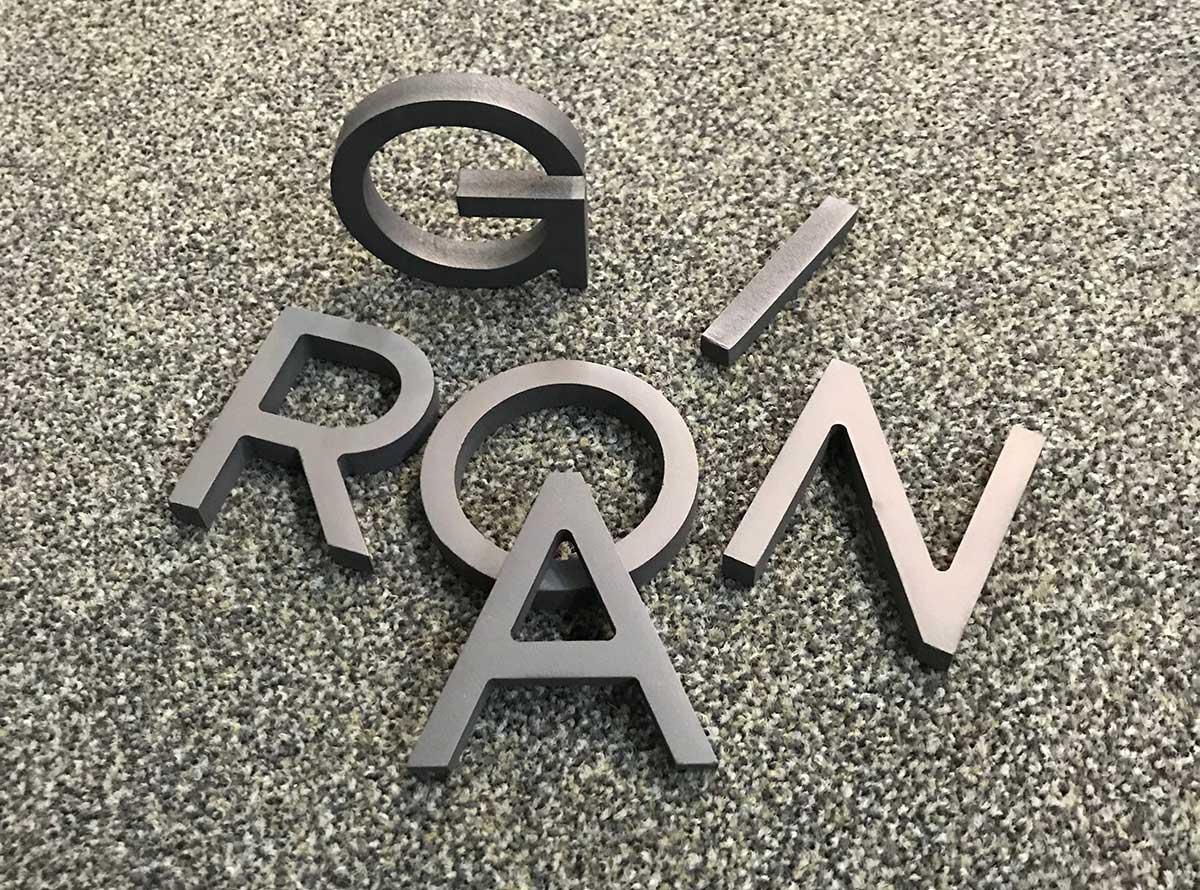 imatge corporativa, lletres, disseny gràfic, gestoria de Sant Sadurní d'Anoia