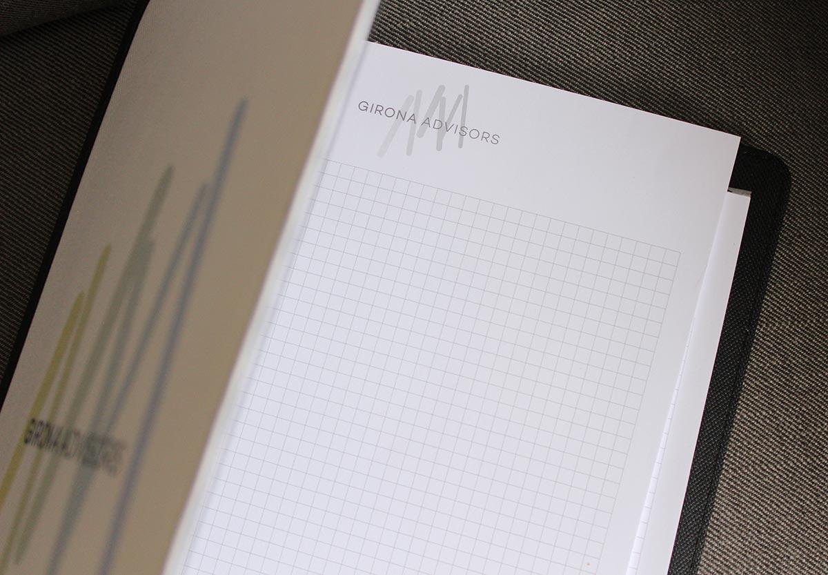 imatge corporativa, papereria, paper, disseny gràfic, gestoria de Sant Sadurní d'Anoia
